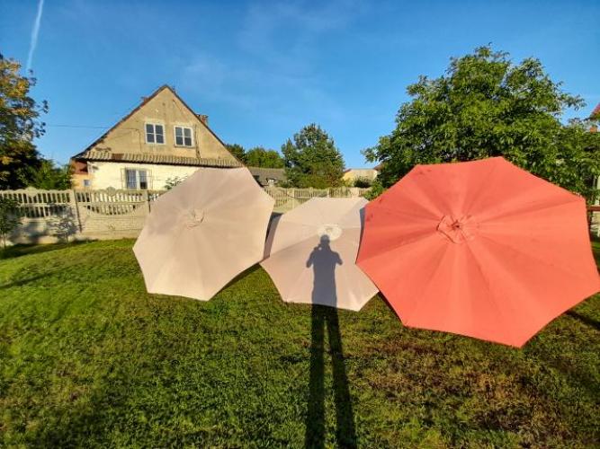Grajewo ogłoszenia: Sprzedam ławkę ogrodowa oraz parasole lawka 100 parasole 80 zł...