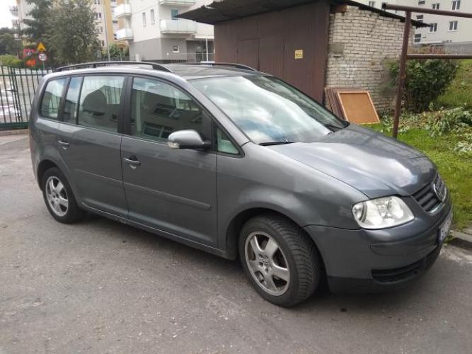 Grajewo ogłoszenia: Sprzedam VW Touran 1.9tdi 2006 r.,300 tys.km, polecam