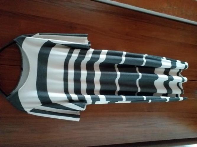 Grajewo ogłoszenia: Sukienka  rozmiar  46  -48 krotki rekaw kolor szary  z...