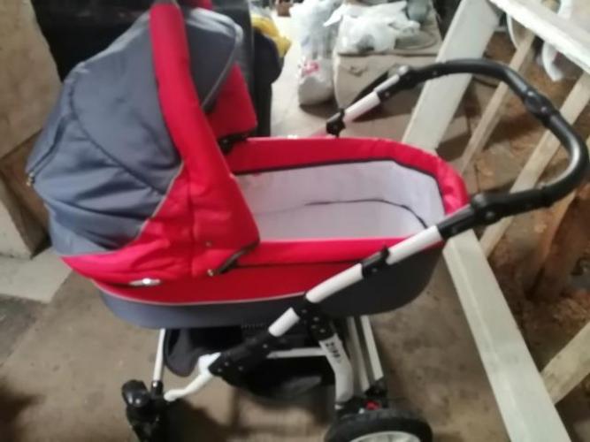 Grajewo ogłoszenia: Sprzedam tanio wózek 2w1 czyściutki w bardzo dobrym stanie...