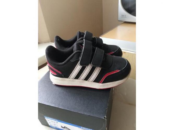 Grajewo ogłoszenia: Sprzedam Bucki Adidas rozmiar 24