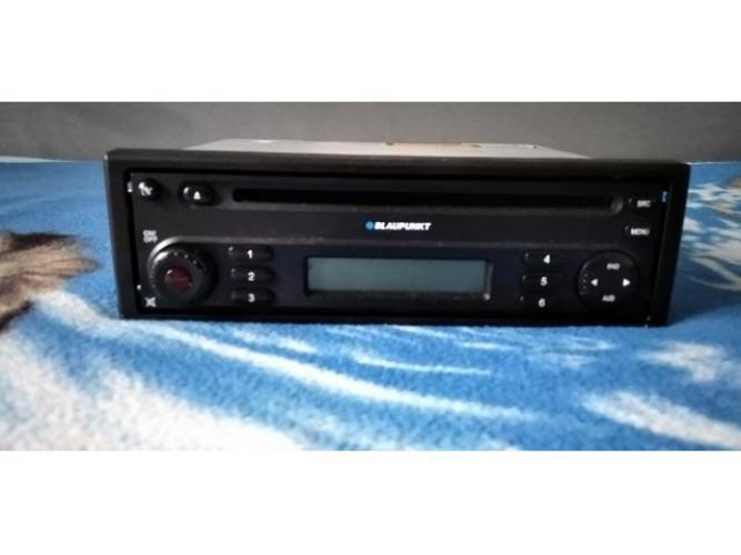 Grajewo ogłoszenia: Sprzedam radio samochodowe Blaupunkt(RENAULT).Sprawne i...