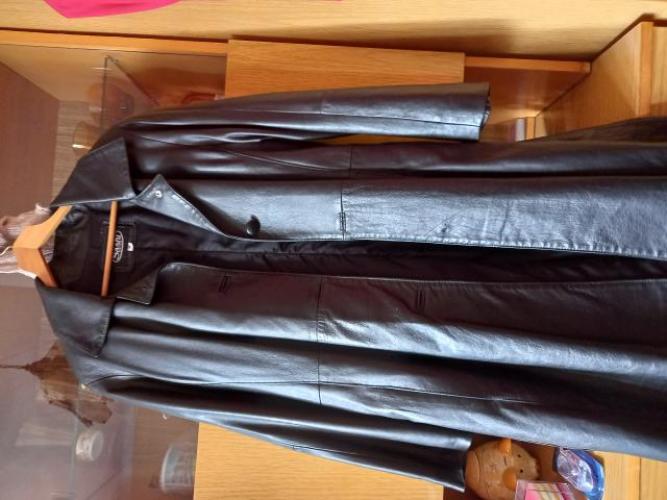 Grajewo ogłoszenia: Sprzedam damski czarny płaszcz skórzany, rozmiar M  tel.862723963