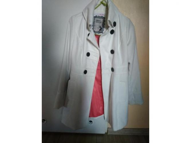 Grajewo ogłoszenia: Biały płaszcz Telly Weijl roz. M/38. Do kupienia w Grajewie