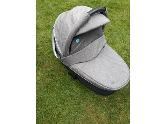 Grajewo ogłoszenia: Sprzedam wózek baby desing. Gondola + spacerówka. Polecam