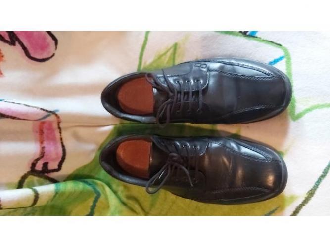 Grajewo ogłoszenia: Sprzedam męskie buty r.45 skórzane