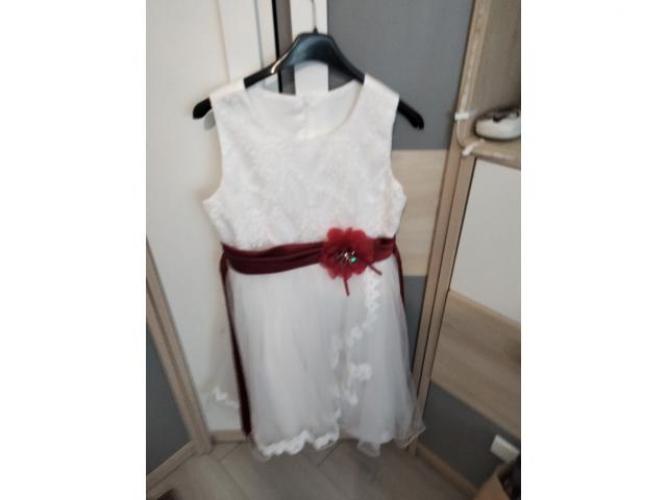 Grajewo ogłoszenia: Sprzedam sukienkę białą dla dziewczynki rozmiar 134-140stan idealny