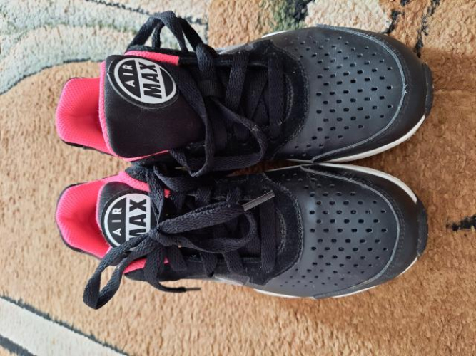 Grajewo ogłoszenia: Sprzedam buty dla dziewczynki roz.34 używane stan dobry i bardzo...
