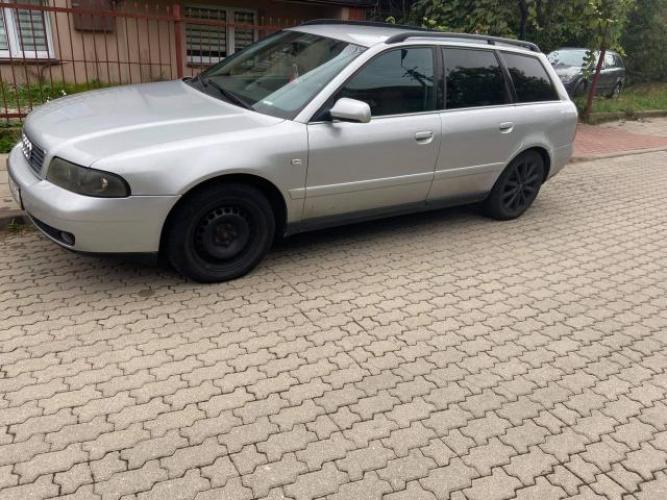 Grajewo ogłoszenia: Sprzedam audi a4b5 2.5 TDI 2000 rok  Sprzedam moje prywatne auto w...