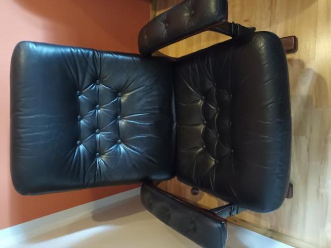 Grajewo ogłoszenia: Sprzedam skórzany, rozkładany fotel. Więcej informacji udzielę...