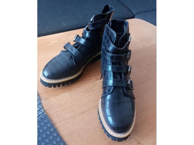 Grajewo ogłoszenia: Sprzedam nowe buty roz 37