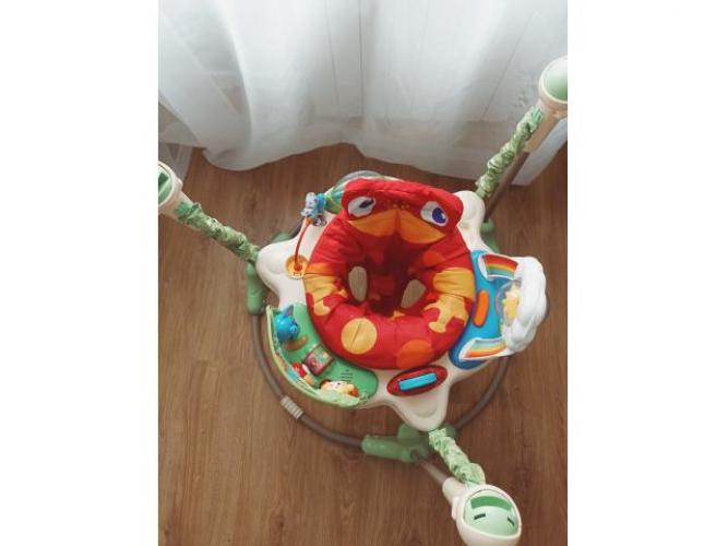 Grajewo ogłoszenia: Sprzedam skoczek dla dziecka.  Zabawka w bardzo dobrym stanie, gra...