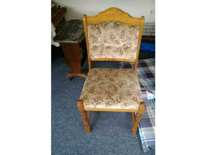 Grajewo ogłoszenia: Sprzedam 6 krzeseł drewnianych, tel.509828750, Łomża