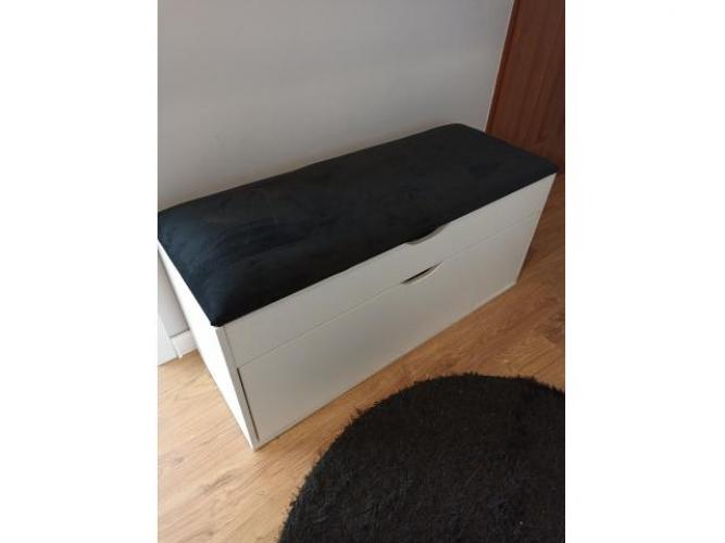 Grajewo ogłoszenia: Sprzedam szafkę na buty z tapicerowanym, otwieranym siedziskiem,...