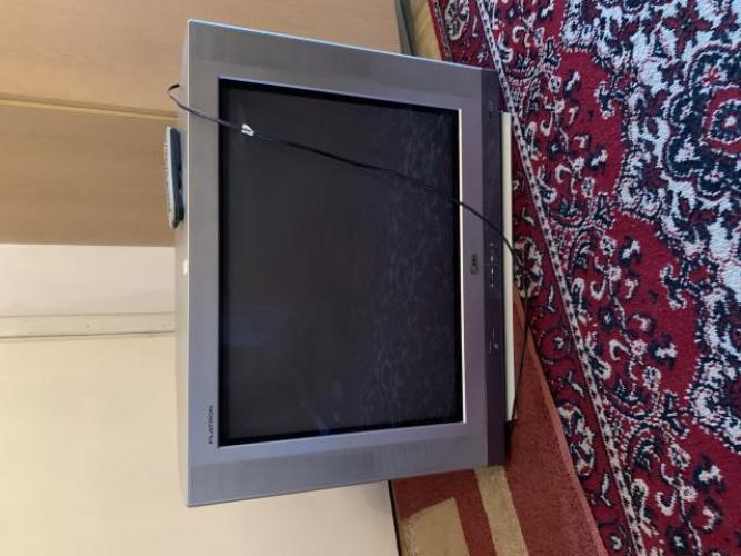 Grajewo ogłoszenia: Sprawny telewizor z pilotem.