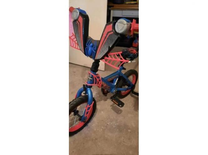 Grajewo ogłoszenia: Witam, sprzedam rowerek Spider-Man z kołami 12