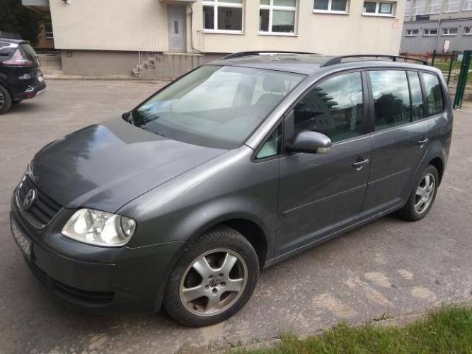 Grajewo ogłoszenia: Sprzedam VW Touran 1,9tdi 2006 r.,300 tys km, stan techniczny...