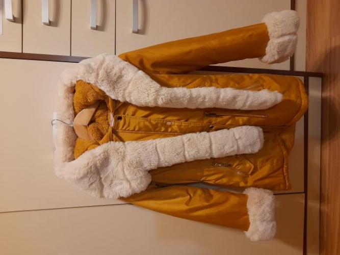 Grajewo ogłoszenia: Sprzedam kurtkę dziewczęce  rozmiar 152 stan bardzo dobry. Cena...