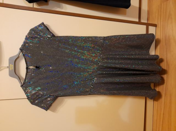 Grajewo ogłoszenia: Sprzedam sukienki stan bardzo dobry rozmiar 146 do 164. Stan...