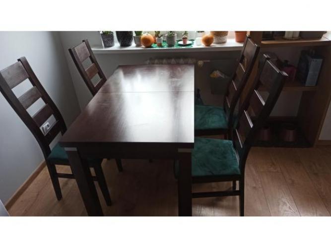 Grajewo ogłoszenia: Sprzedam stół i 4 krzesła, kolor ciemny brąz. Na siedziska...