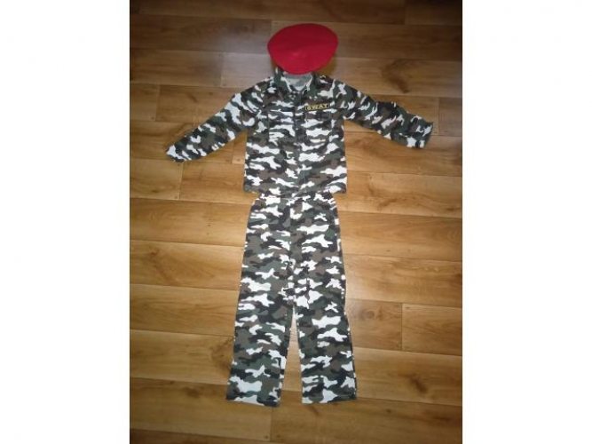 Grajewo ogłoszenia: Sprzedam ubranie żołnierza założone tylko raz. Rozmiar 110-116...