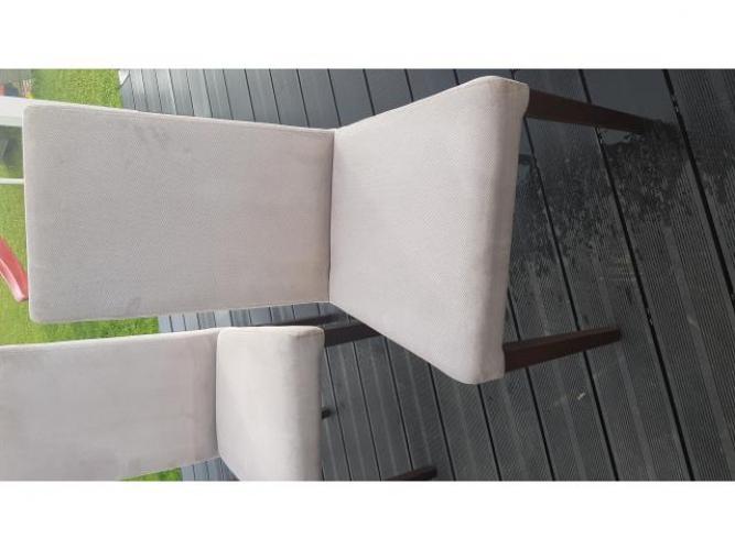 Grajewo ogłoszenia: Sprzedam komplet 6 krzeseł stołowych. Stan bardzo dobry.