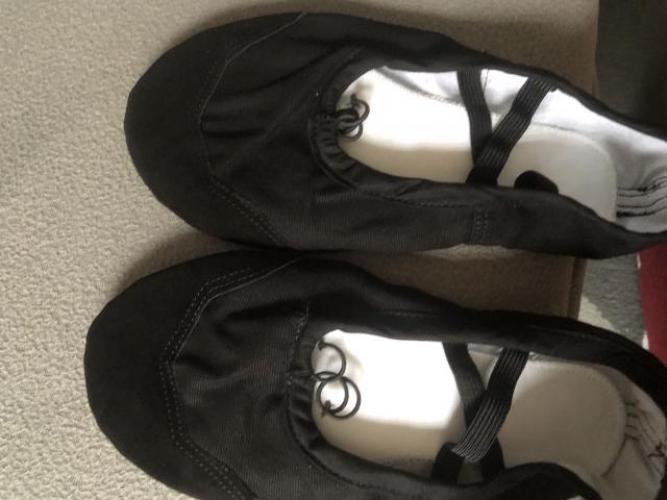Grajewo ogłoszenia: Witam sprzedam nowe baletki do tańca ,nie używane rozmiar 40