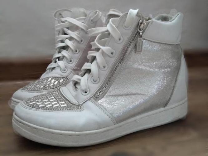 Grajewo ogłoszenia: Sprzedam buty rozmiar 38