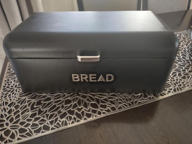 Grajewo ogłoszenia: Sprzedam nowy czarny chlebak.