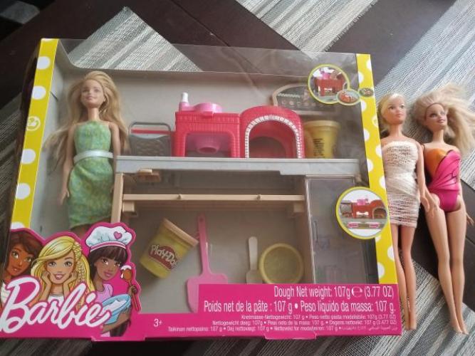 Grajewo ogłoszenia: Sprzedam Lalkę Barbie pizzeria zestaw plus dwie inne lalki Barbie...