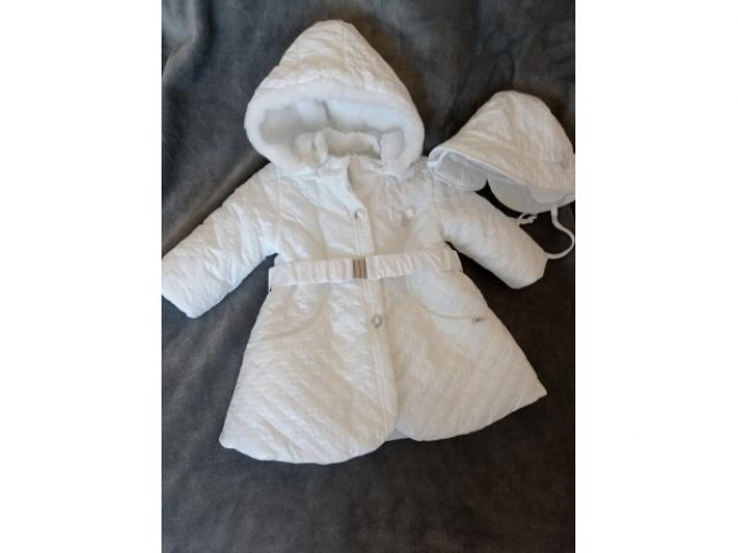 Grajewo ogłoszenia: Sprzedam biały płaszczyk niemowlęcy rozmiar 74, odpinany kaptur...