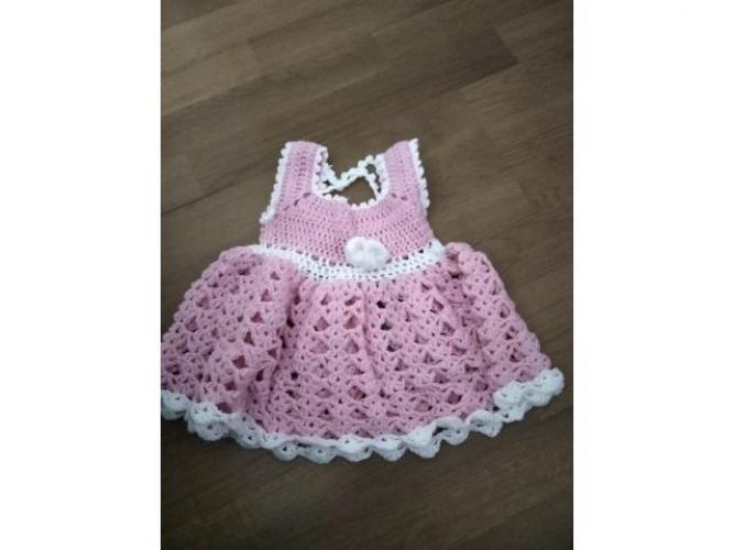 Grajewo ogłoszenia: Dwie ręcznie robione sukienki dla dziewczynki na około roczek.