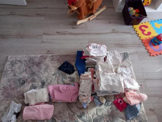 Grajewo ogłoszenia: Sprzedam ubranka po dziewczynce,  rozmiar 62 i 68 wśród ubranek...